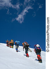 Snow mountain climbers to the Summit