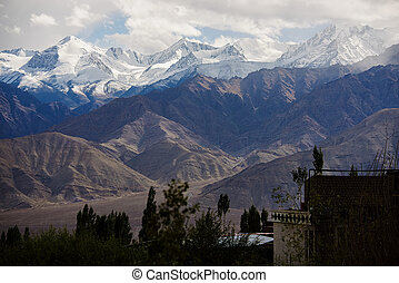 Snow Mountain Range, Leh India