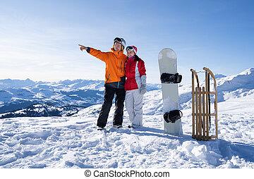snowboard, šťastný, sáně, stálý, young kuplovat, sněžit