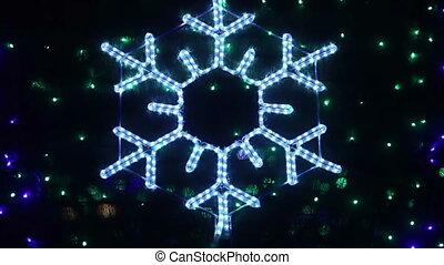 Snowflake bokeh - Flashing snowflake Rasfokus on the...