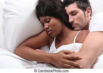 snuggling, marido, cama, esposa
