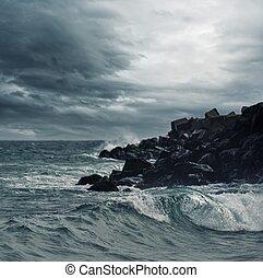 sobre, céu, oceano tempestuoso