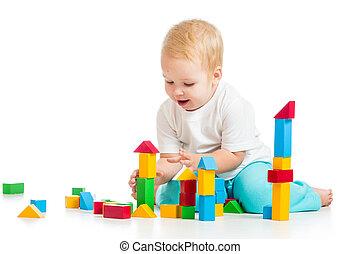 sobre, criança, fundo, brinquedos, branca, tocando, bloco