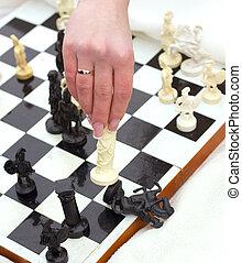 sobre, mulher, junta xadrez, mão