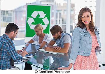 sobre, reciclaje, equipo, política, reunión, teniendo