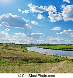sobre, rio, céu, nublado
