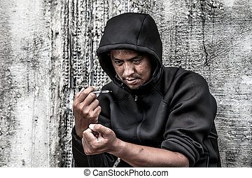 sobredosis, macho asiático, drogadicto, mano, drogas, narcótico, jeringuilla, en acción