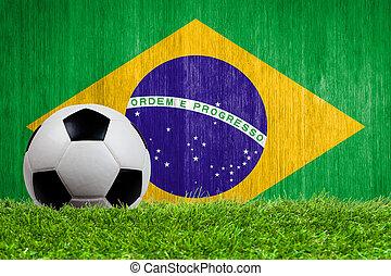 soccer bold, på, græs, hos, flag brasilien, baggrund