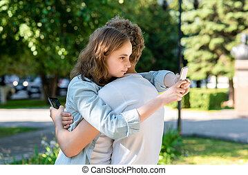 social, été, école, smartphones, début, communique, étudiants, forever., nature., après, relationship., mains, rest., tenue, étreint, networks., amis fille, type, mieux, heureux