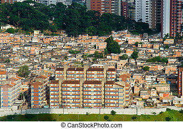 Social Contrast - Picture of a favela in the Morumbi ...