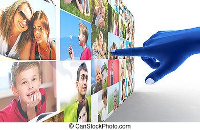 social, medios, network., mano señalar con el dedo, en, gente