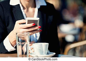 Social networking on coffee break