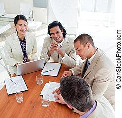 socios, trato, cierre, empresa / negocio, concentrado,...