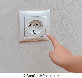 socket., 彼の, はり付く, 危ない, 指, 子供, 状態, home.