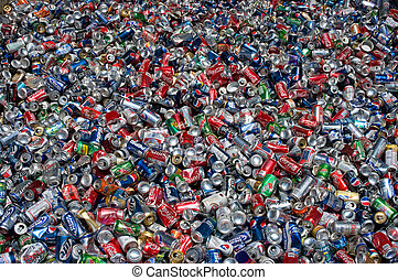 Soda beer - Aluminum cans lie in a heap, they will be...