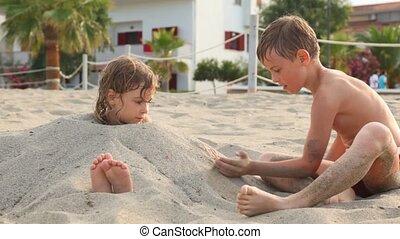 soeur, haut, frère, chutes, aîné, sable, jouer
