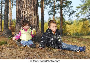 soeur, séance, clairière, frère, picnic., forêt, banana., girl, mange