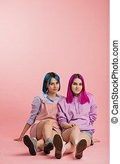 soeurs, deux, cheveux colorés, couleurs, leur, avoir, ...