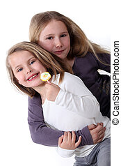 soeurs, deux, hugging.