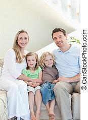 sofá, família, sentando