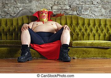 sofá, mexicano, wrestler, sentando