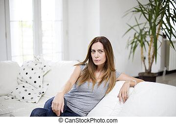 sofá, mulher