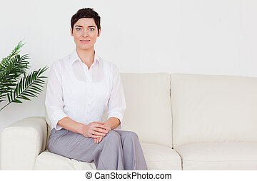 sofá, mulher, bonito, sentando