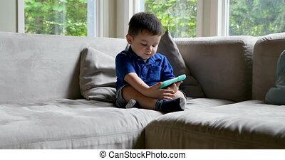 sofa, 4k, utilisation, garçon, numérique, table, bébé