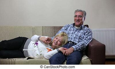 sofa, couples aînés, ensemble