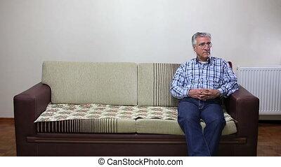 sofa, homme aîné, séance