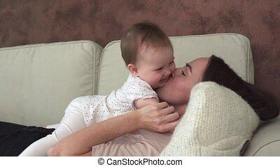 sofa, kussen, ligt, moeder, baby, schattige
