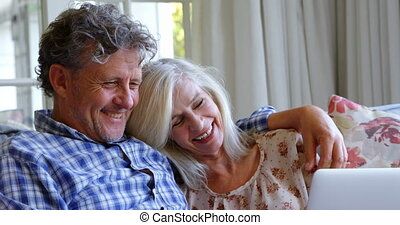 sofa, ordinateur portable, 4k, maison, utilisation, couples aînés