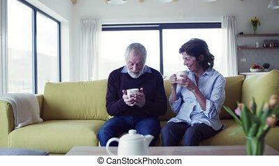 sofa, parler., intérieur, séance, personne agee, amour, affectueux, couple, maison
