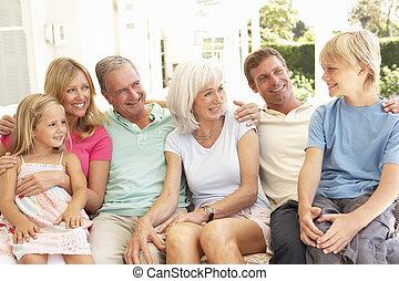 sofa, prolongé, délassant, famille, ensemble