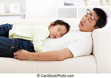 sofa, slapende, dochter, vader