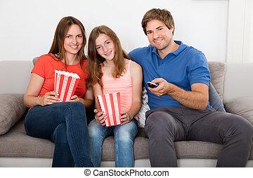 sofa, tã©lã©viseur, séance, famille, regarder