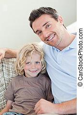 sofa, vader, zoon, zittende