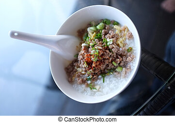 Soft boiled rice with mince pork