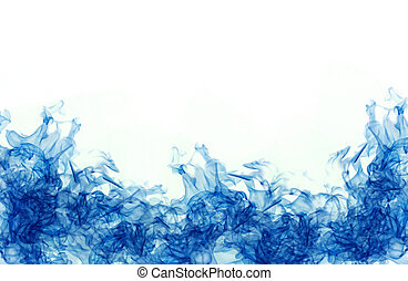 blue color in water