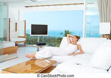 soggiorno, donna, luminoso, rilassante, spazioso