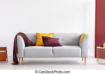 soggiorno, spazio, parete, coperta, grigio, divano giallo, elegante, borgogna, interno, elegante, bianco, copia, cuscino, vuoto