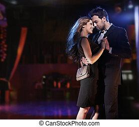soir, danse, couple, jeune, élégant, conceptuel, portrait, robes
