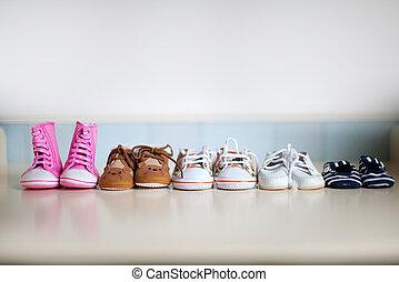 sok, cipők, gyermekek