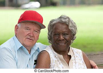 sok nemzetiségű, öreg, párosít, szeret