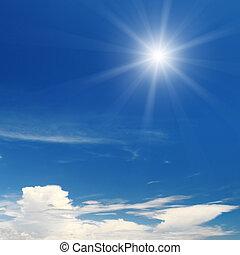 sol, ligado, céu azul, com, nuvens brancas