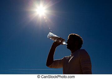 sol, vatten, buteljera, under, drickande, man