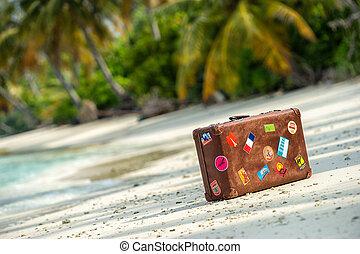solamente, vendimia, viaje, playa, maleta