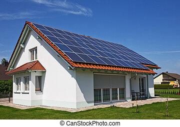 solar, painéis, ligado, a, casa, telhado