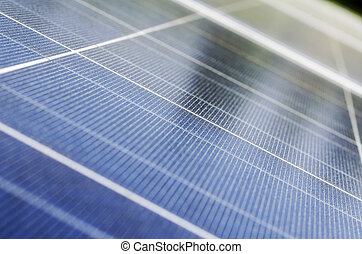 Solar panel and polycrystalline photovoltaic cells