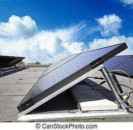 solar panel, mot, blåttsky